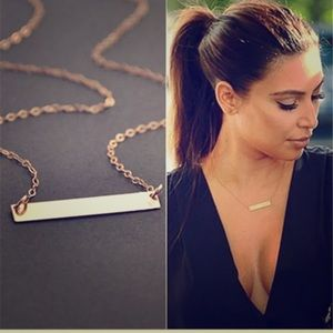 Jewelry - ✨Gold Bar necklace✨ (great for engraving!)